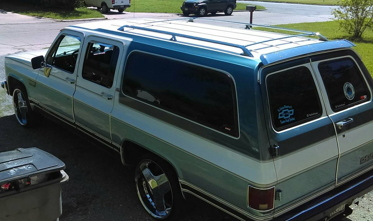 1990 chevy suburban battery size