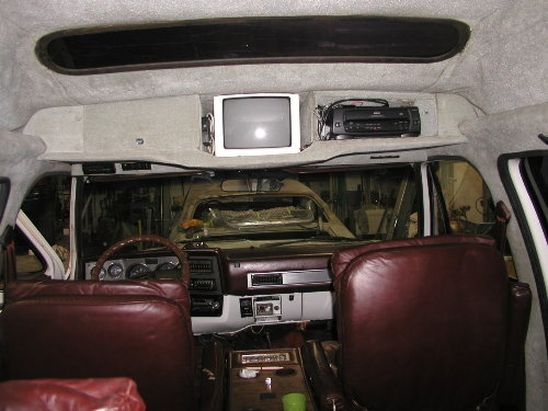 f1c4fa85b9 Link to where I found this 1986 Chevrolet Suburban 4x4 Komfort Koach High  Top Conversion here.
